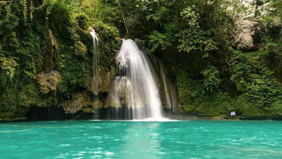 Best waterfalls in rhode island